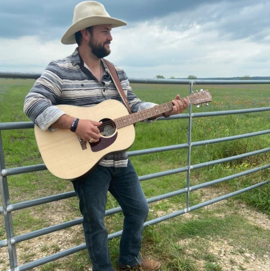 Alum to play at Conroe's Corner Pub