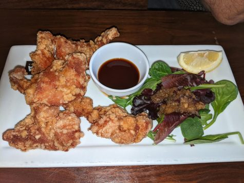 The crispy chicken appetizer comes with a great dipping sauce.